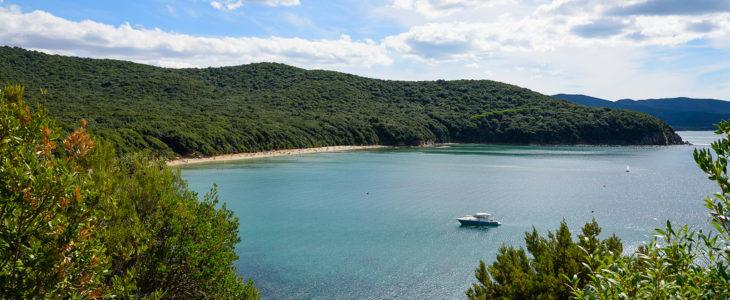 Cala Violina: il mare da non perdere della tua vacanza in Maremma